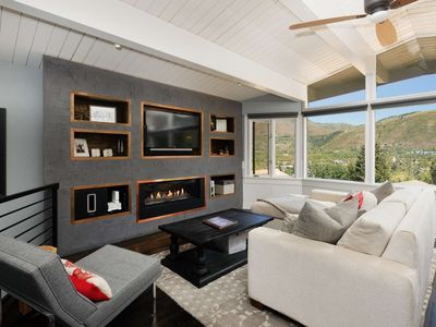 Aspen Mountain Condo With Incredible Views! Air Conditioning! Outdoor Pool. W/D, Gas FP.  Ski-In/Out
