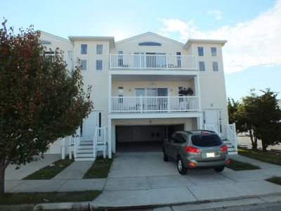 Photo for BEACH BLOCK, 100 steps to BOARDWALK and SAND, Sleeps 10