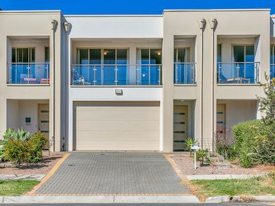 Photo for Christies Beach Exclusive Townhouse II