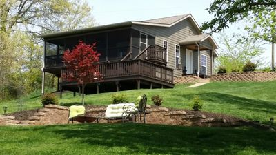 Cabin in Southern Illinois - Hot Tub - Romantic Getaway -Shawnee National Forest