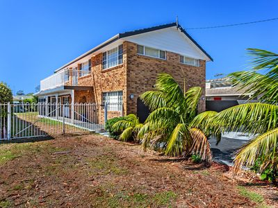 Photo for Spacious Family Holiday home in Shoal Bay
