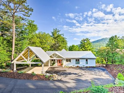 Photo for NEW-Luxury Lakefront Hiawassee Cottage w/Boat Dock