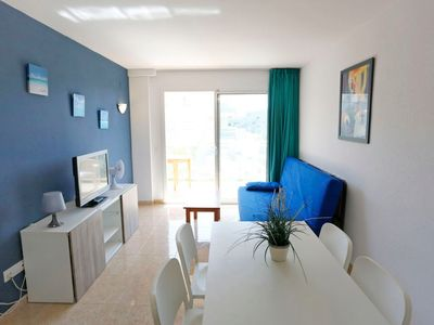 """Photo for Apartment a short walk away (471 m) from the """"Cala Vinya"""" in Salou with Lift, Parking, Air conditioning, Pool (668562)"""