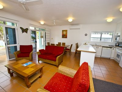 Photo for 2BR Apartment Vacation Rental in Arcadia, QLD