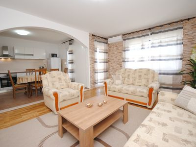 Photo for Bright & spacious new apartment for 8 close to beach