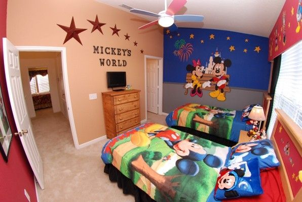 Mickey   Friends Bedroom. Mickey s World Theme Bedroom   5  Windsor      HomeAway Kissimmee
