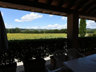 Photo for Farmhouse between Perugia and Assisi - Three-roomed apartment Veranda