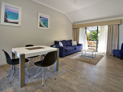 Photo for Deluxe 2 Bedroom Apartment in Margaret Rivers Town Centre