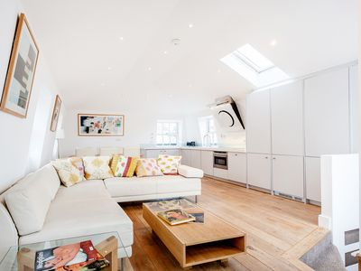 Photo for Beautiful two bedroom apartment in Knightsbridge