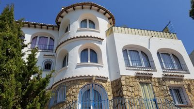 Photo for Villa in Costa Blanca, Spain - 10-12 sleeps, superb sea/mntn view , private pool