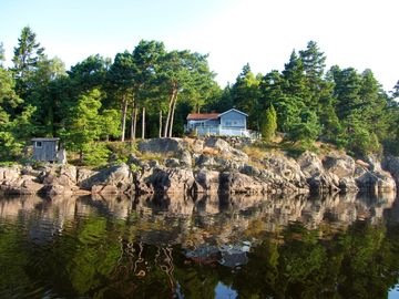 Beautiful Lake House near Gothenburg with exceptional view in a private setting