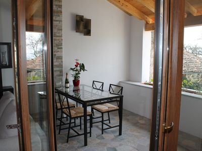 Photo for Charming, quiet 2 bedroom cottage (75 m2) with lake view
