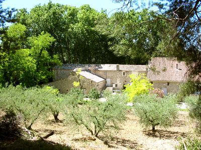 Photo for Provencal farmhouse with pool, for 6 people in the heart of Provence