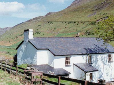 Photo for 4 bedroom accommodation in Croesor, Penrhyndeudraeth