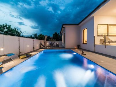 Photo for Holiday house Pula for 8 persons with 4 bedrooms - Holiday house