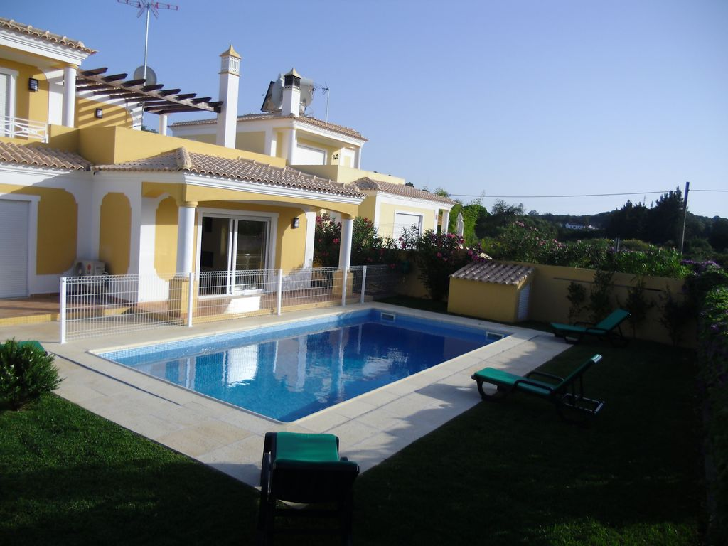 House 5 Bedrooms With Swimming Pool Homeaway S O Bartolomeu
