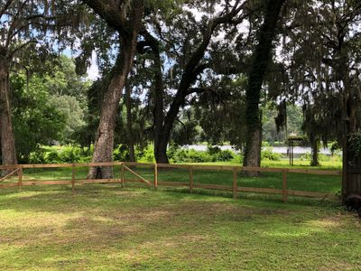 Photo for Lakefront escape 20 minutes to FSU campus/downtown Tallahassee