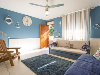 Photo for Cozy Four-roomed flat in the village of Santa Tecla (Acireale)