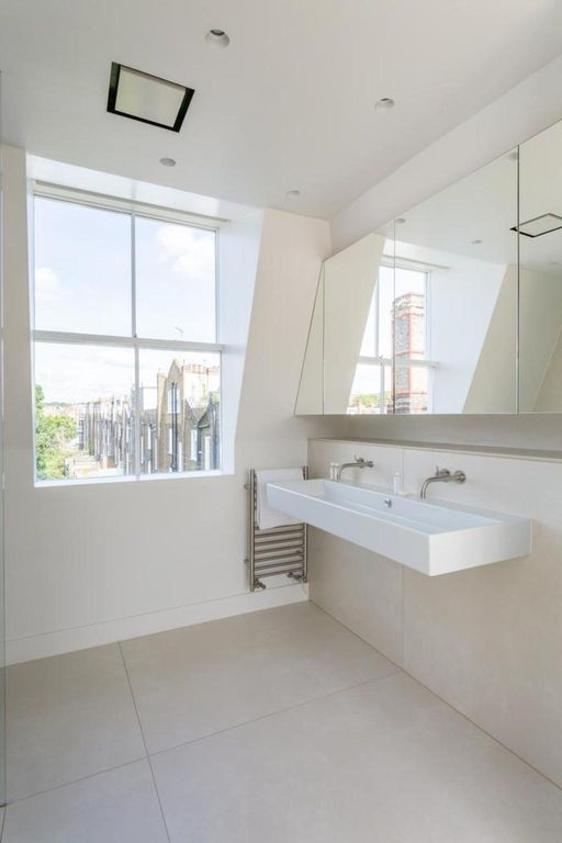 London Home 313, You will Love This Luxury 4 Bedroom Holiday Home in London, England - Studio Villa, Sleeps 7