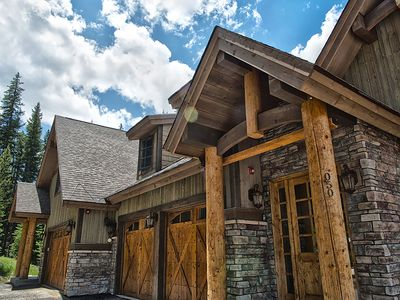 Photo for Large Luxury Family Home Nestled in the Trees! Private Hot Tub!
