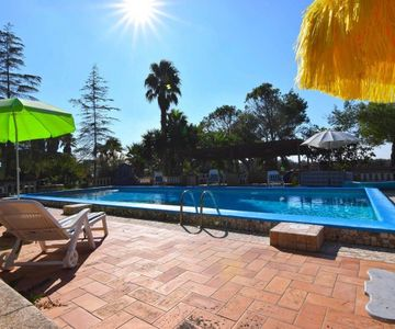 Photo for 5BR Villa Vacation Rental in RACALE
