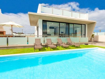 Photo for Villa Dream Siete: Large Heated Private Pool, Walk to Beach, A/C, WiFi, Car Not Required