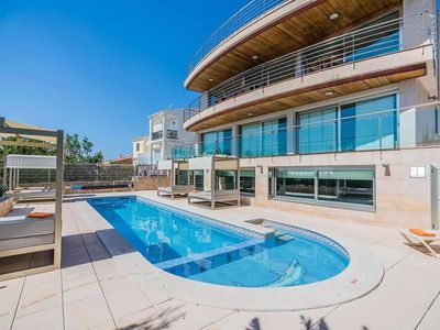 Photo for Luxurious villa with sea views, outdoor pool, heated pool and jacuzzi