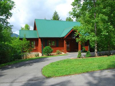 Don't Stop Bearlivin'!  A Private Cabin with a View, Great Location and Amenities!