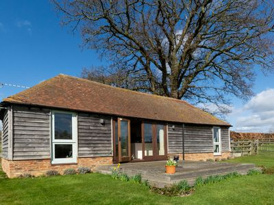 Photo for Nicely furnished cottage in Bilsington countryside