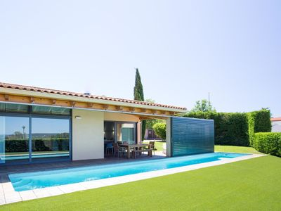 Photo for This 3-bedroom villa for up to 6 guests is located in Pals and has a private swimming pool and Wi-Fi