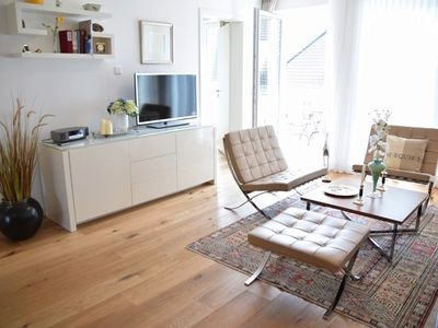 Photo for Apartment near the beach, central, high quality furnishings, WiFi, parking and balcony, Bomhoffstr. 17, flat 20