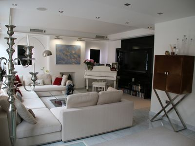 Photo for Luxury 4 bedrooms central flat, recently renovated with air conditioning