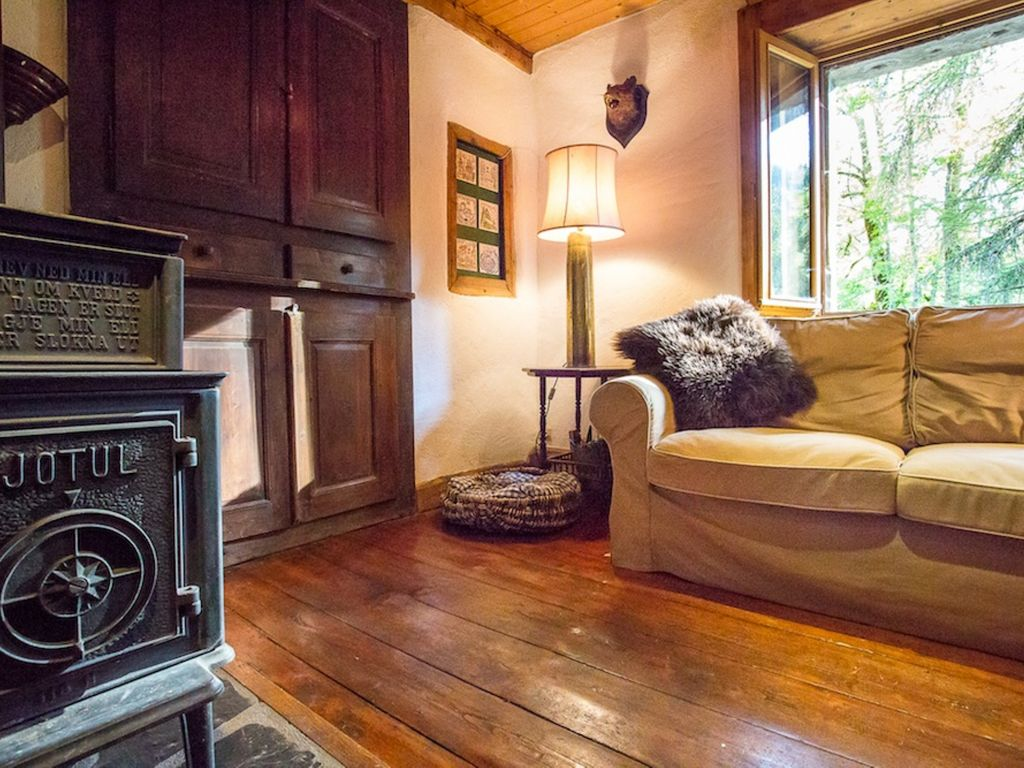 Amazing rustic farmhouse with nearby skiing hiking and for Rustic and more