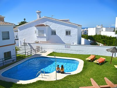 Photo for Sunny house in NERJA, swimming pool, 600m from the beach, 4 pers., WIFI, parking, garden