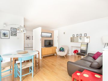 Gorgeous Grassmarket Apartment! In quiet & secure courtyard in central Old Town