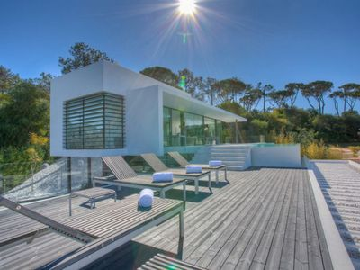 Photo for Stunning villa perfectly located just a short walk from beach at Vale do Lobo