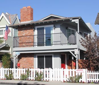 Photo for Great House on Balboa Island; central location,walk to water! Sleeps 6