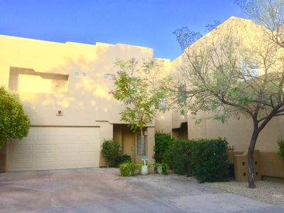 Photo for Gorgeous Townhome in Scottsdale close to Golf, Dining, Shopping and Sport events