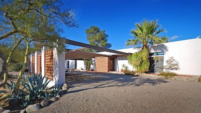 Photo for 2,000 sf Mid-Century Modern Westward Look Guest House in the Catalina Foothills.
