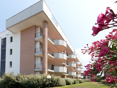 Photo for Holiday apartment with air conditioning and pool
