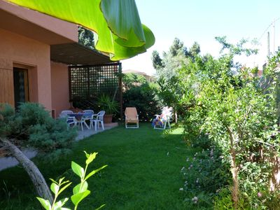 Photo for Bright apartment in villa by the  sea with private garden, parking space, Wi-Fi