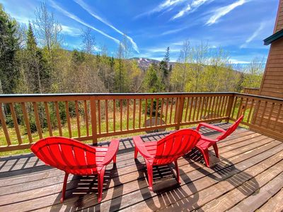 W8 Mount Washington Place Townhome, great slope views, fireplace, large deck, yard, and ping pong!