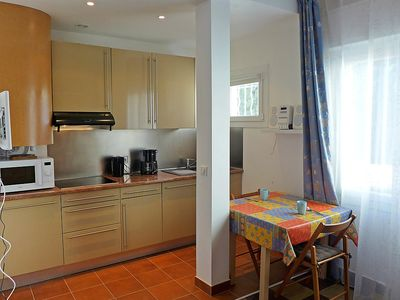Photo for Apartment 1.1 km from the center of Saint-Raphaël with Internet, Air conditioning, Parking, Washing machine (304922)