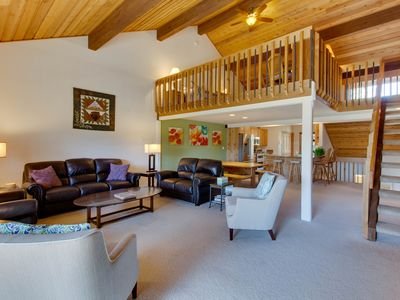 Photo for Beautiful Sun Valley escape w/ access to shared pool, hot tub, and sauna