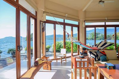 360 View in the villa of the lake and Islands. A one of a kind Handmade hammock!