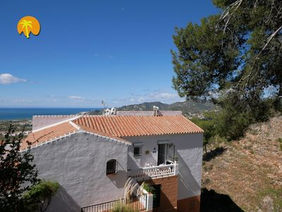 Photo for Sunny penthouse with panoramic-terrace, pool and the best sea view in Nerja