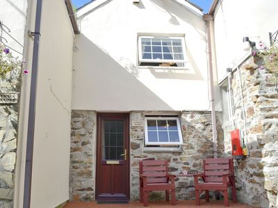 Photo for 1 bedroom property in Porthtowan. Pet friendly.