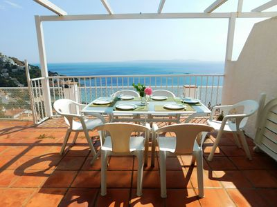 Photo for Holiday house in Roses 5 minutes walk from the beach of Canyelles, Roses