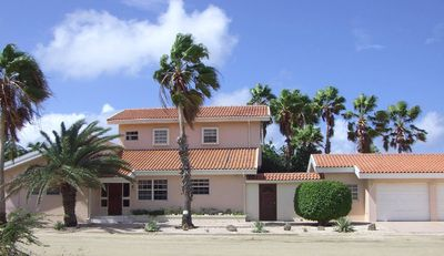 Photo for 3 Bedroom Villa with Private Pool Located by the Beach