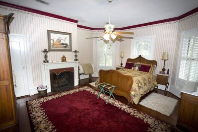 French Provincial Room at Avera-Clarke House B&B - Monticello